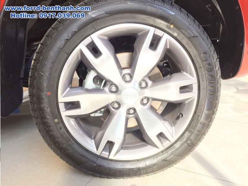 ford-everest-2017-ford-benthanh-4