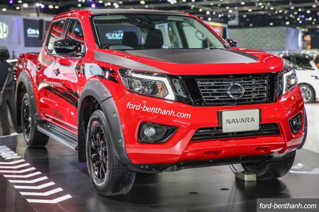 Ra mắt Nissan Navara Black Edition