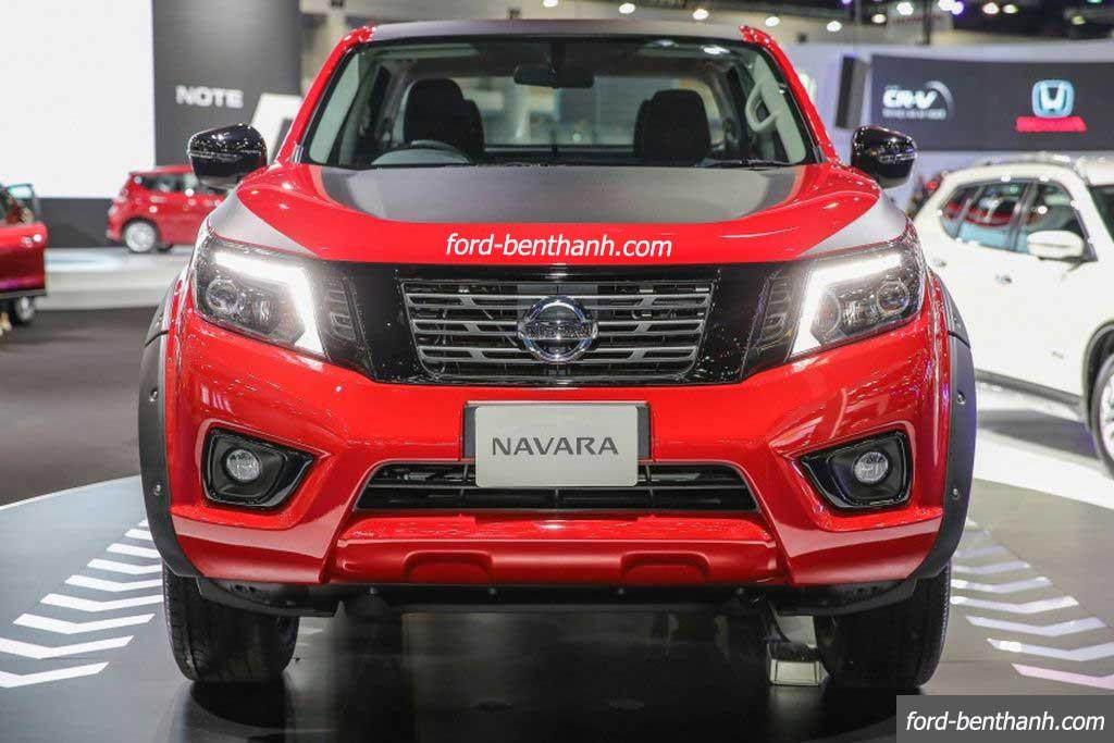 Nissan-navara-2017-black-edition-ford-benthanh-02