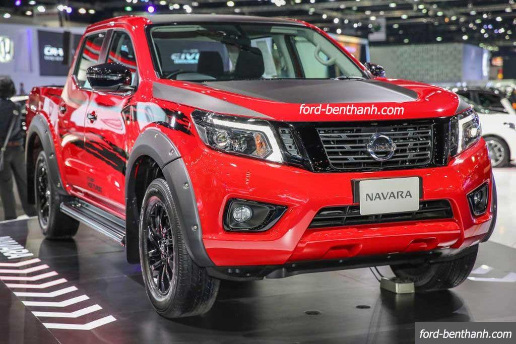 Nissan-navara-2017-black-edition-ford-benthanh-03