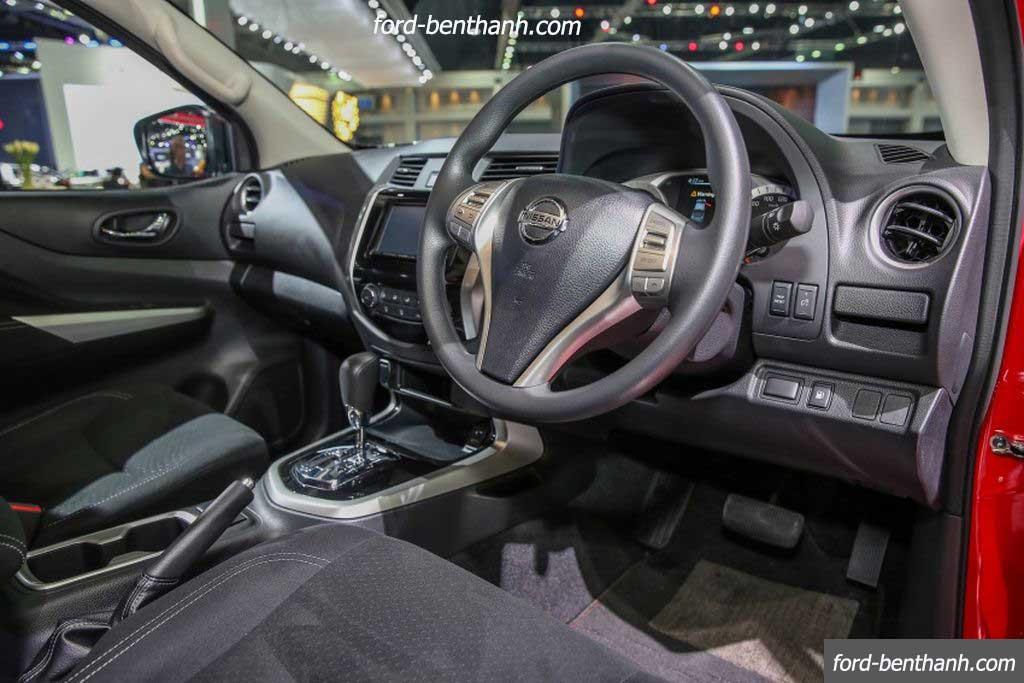 Nissan-navara-2017-black-edition-ford-benthanh-10