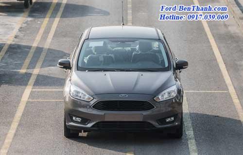 ford-focus-trend-2017-gia-648-trieu-08