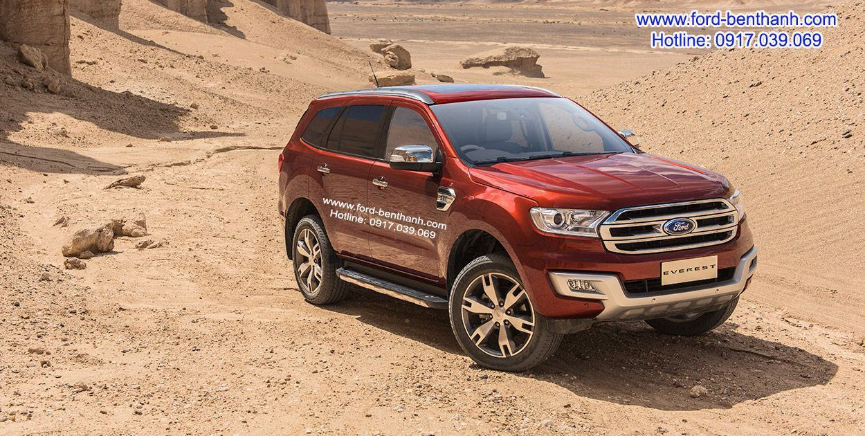 xe-ford-everest-titanium-dang-cap-doanh-nhan-02