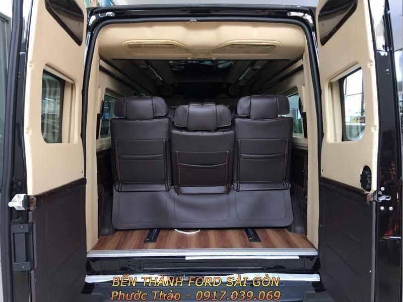 gia-xe-ford-transit-2018-limousine-ben-thanh-ford-sai-gon-0917039069-03 (800x600)