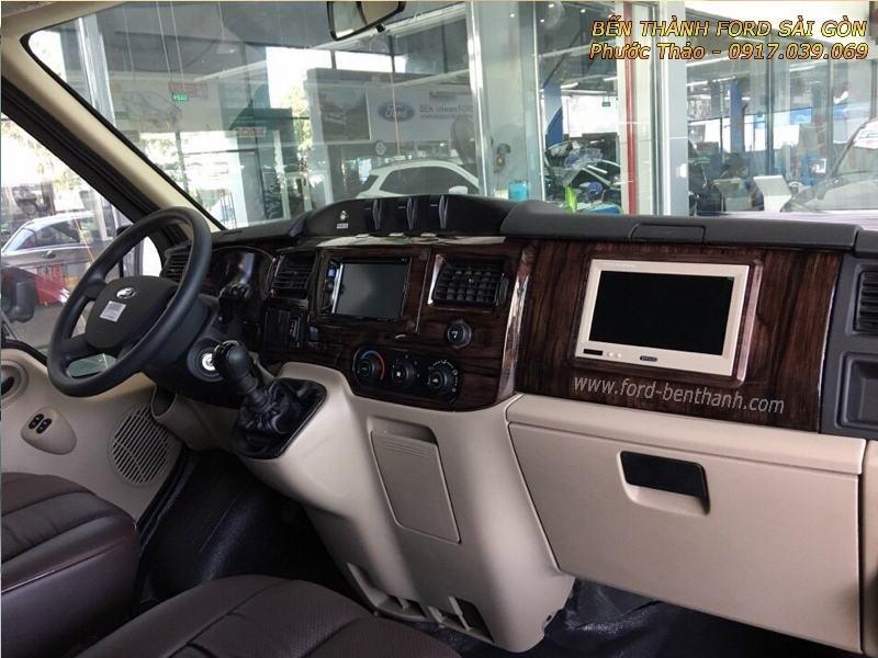gia-xe-ford-transit-2018-limousine-ben-thanh-ford-sai-gon-0917039069-05 (800x600)