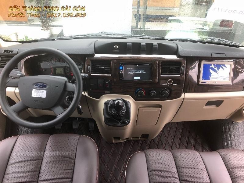 gia-xe-ford-transit-2018-limousine-ben-thanh-ford-sai-gon-0917039069-07 (800x600)