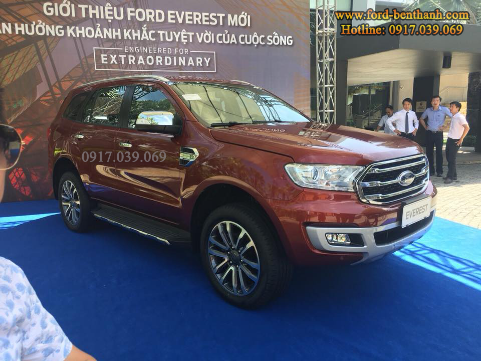 ra mắt Ford Everest 2018