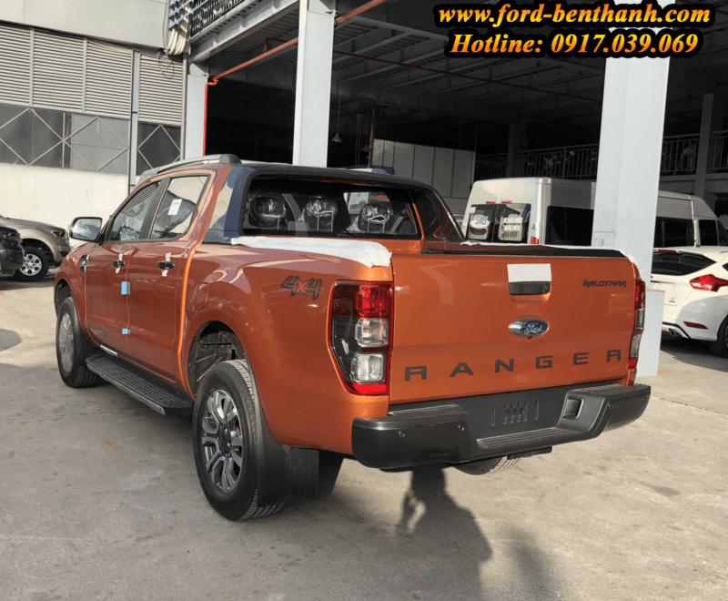 giao xe Ford Ranger 2018