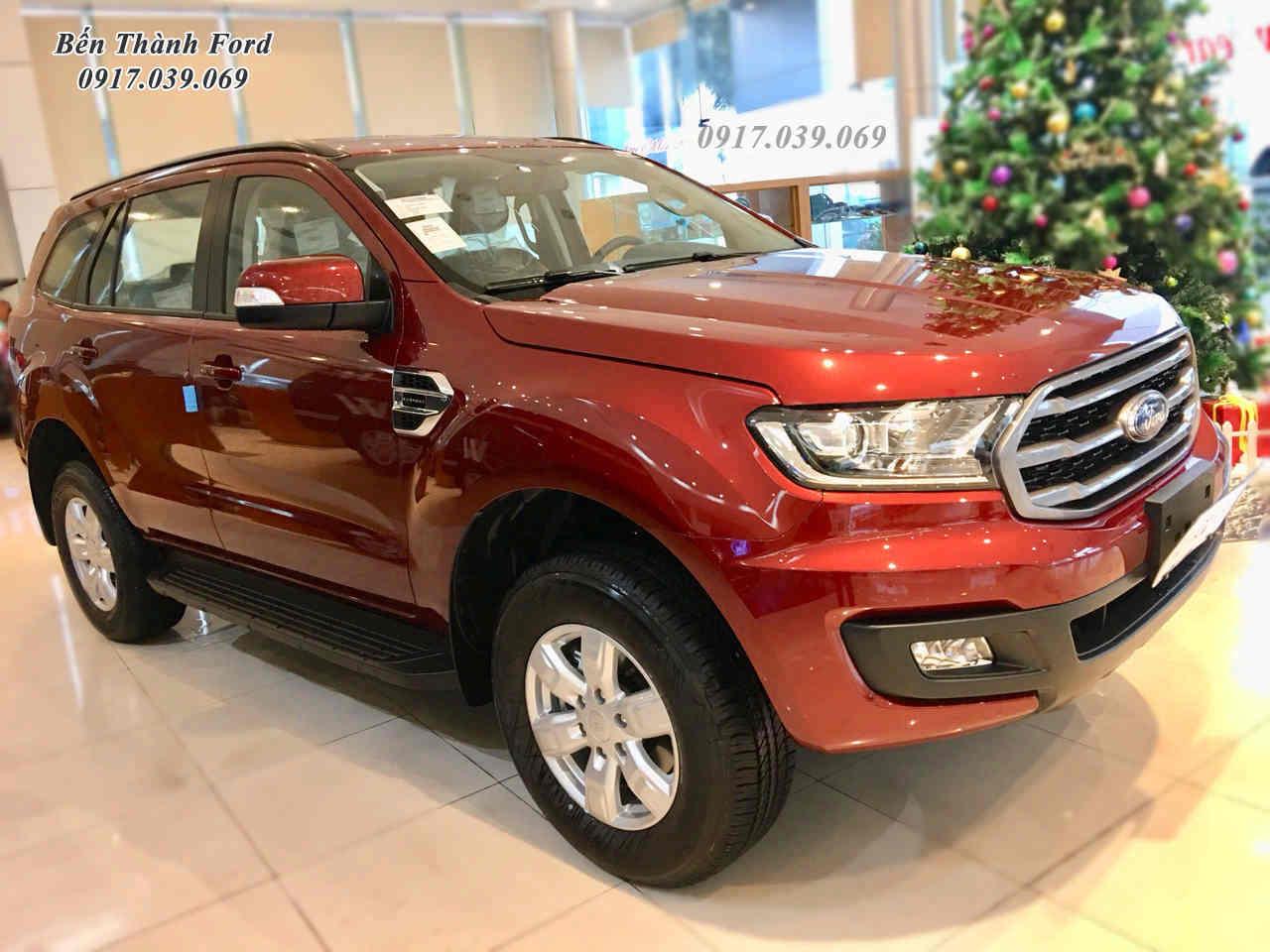 Ford Everest Ambiente Màu Đỏ Đô