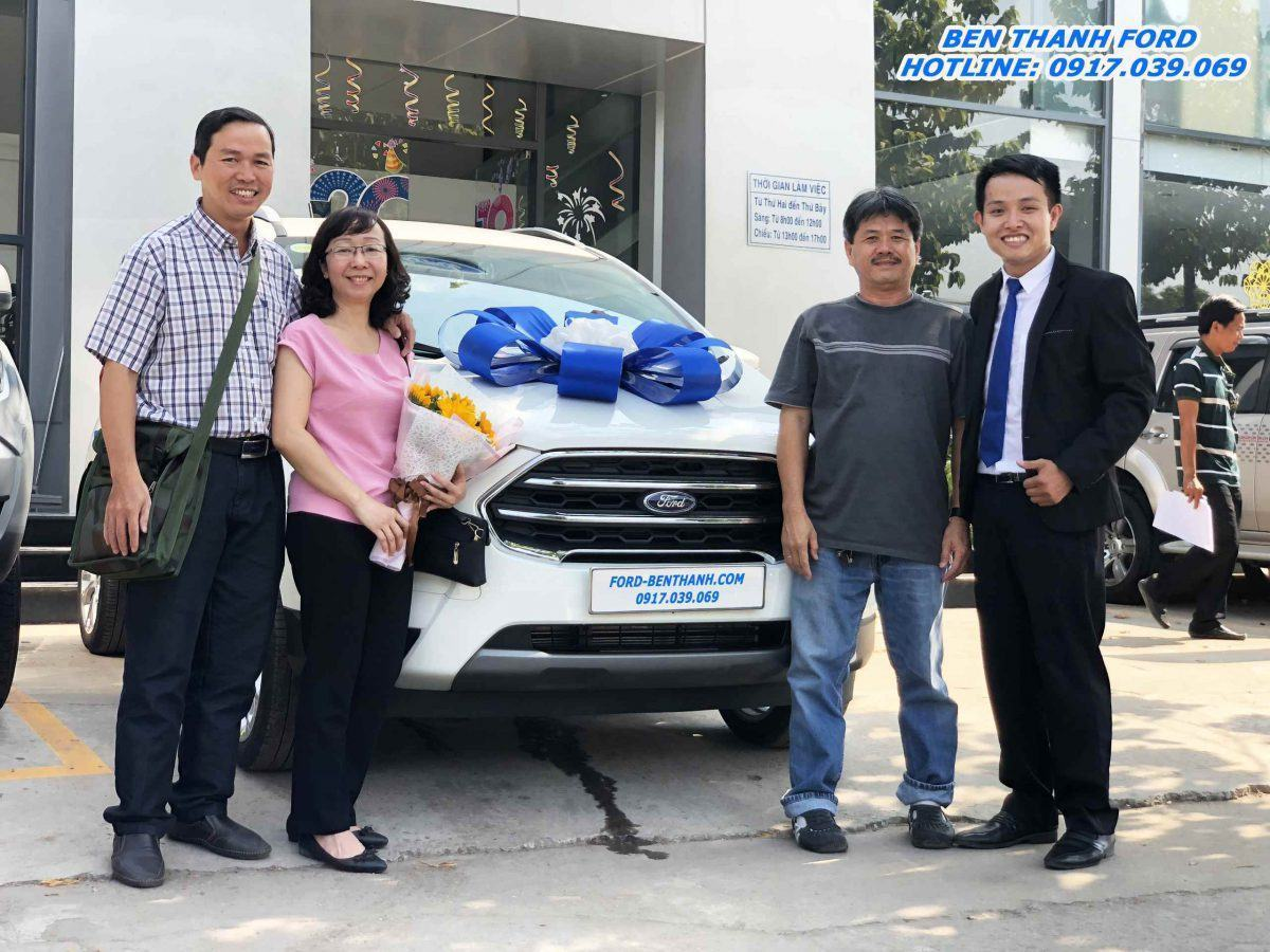 Giao Xe Ford Ecosport 2019 Màu Trắng