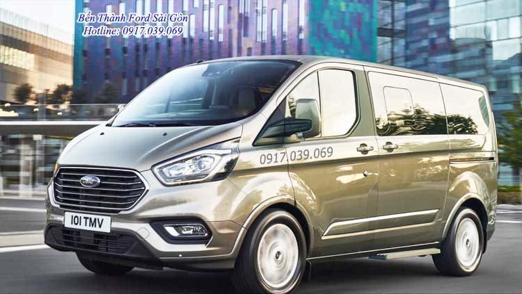 Đánh Giá Xe Ford TourNeo 2019