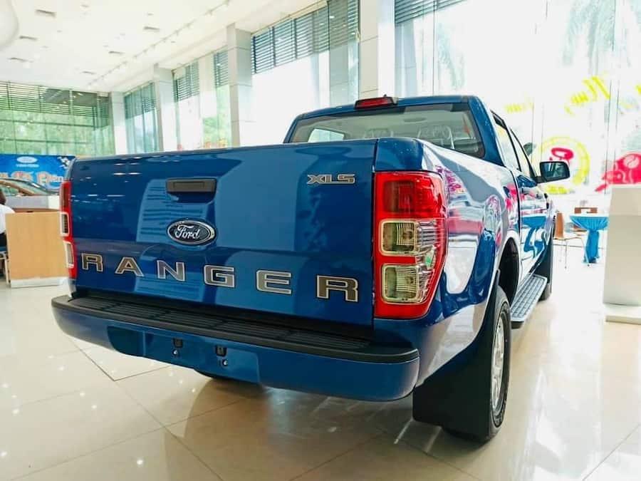 Ford Ranger XLS AT giá 650 Triệu. Giảm tiền  + Phụ kiện xe Ford Ranger XLS AT. Cam kết giá xe Ford Ranger XLS tốt nhất thị trường. Giao ngay.