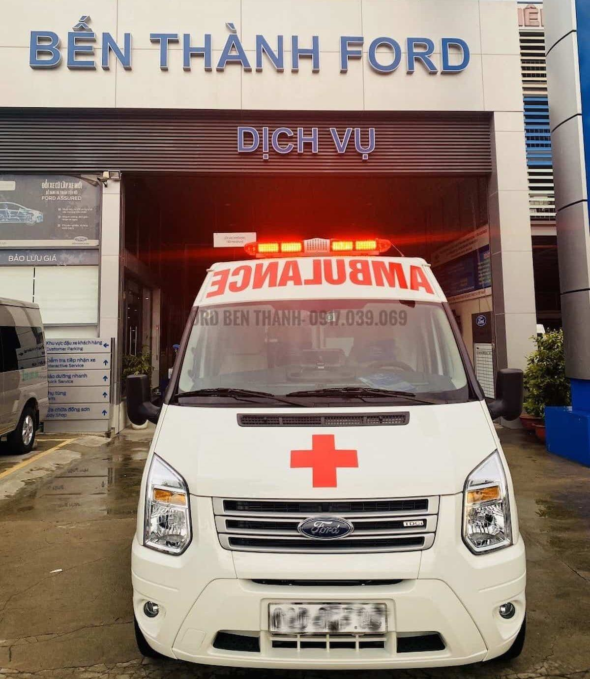 https://ford-benthanh.com/xe-cuu-thuong-ford-transit-chinh-hang/